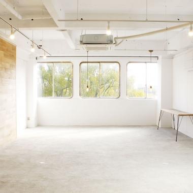 【大阪】「長居パークサイドギャラリー」併設フォトスタジオサンプル撮影モデル募集