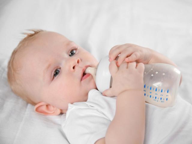 【東京】フリーマガジン「FQ JAPAN DIGEST 赤ちゃん用ミルクのモニター&誌面撮影」参加親子モデル募集